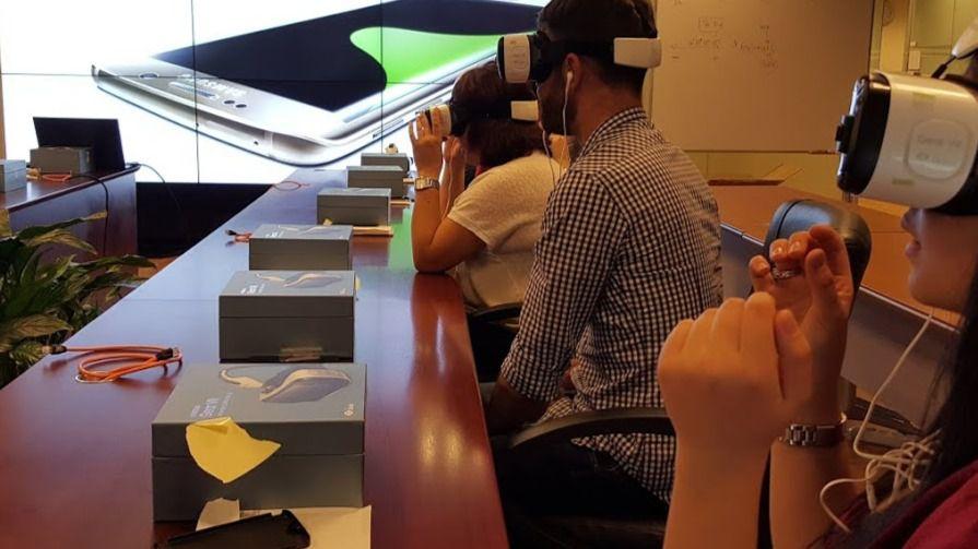 Samsung incluye la realidad virtual en sus sesiones de formación para Galaxy S6 edge+