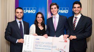 Estudiantes de CUNEF ganadores de la competición nacional de talento de KPMG