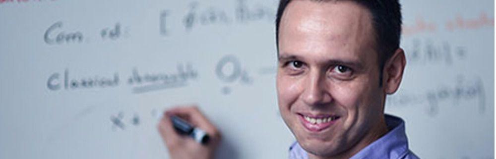 Un investigador formado en el IFIC recibe premio internacional en relatividad y gravitación
