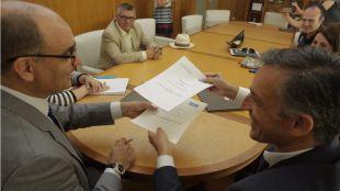 La UA e Hidraqua reeditan el convenio del Máster en Gestión Sostenible y Tecnologías del Agua