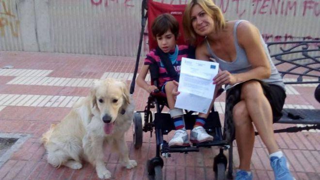 La Universidad de Alicante, pionera en el estudio de la detección de crisis de epilepsia con perros
