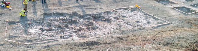 Aspecto del ejemplar de 'Lohuecotitan pandafilandi' durante la excavación en Lo Hueco en 2007 (G.B.E.-UNED)