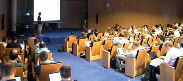El gran accelerador de partículas de la próxima década se prepara en la Universitat de València
