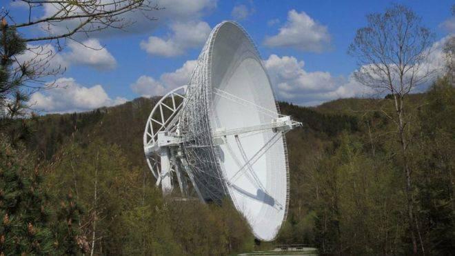 Astrónomos de la Universitat de València dan con el centro de una galaxia activa cercana a la Vía Láctea