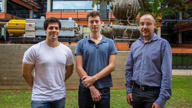 Investigadores del IFIC resuelven el problema de las dimensiones del espacio-tiempo en las teorías que se aplican al LHC