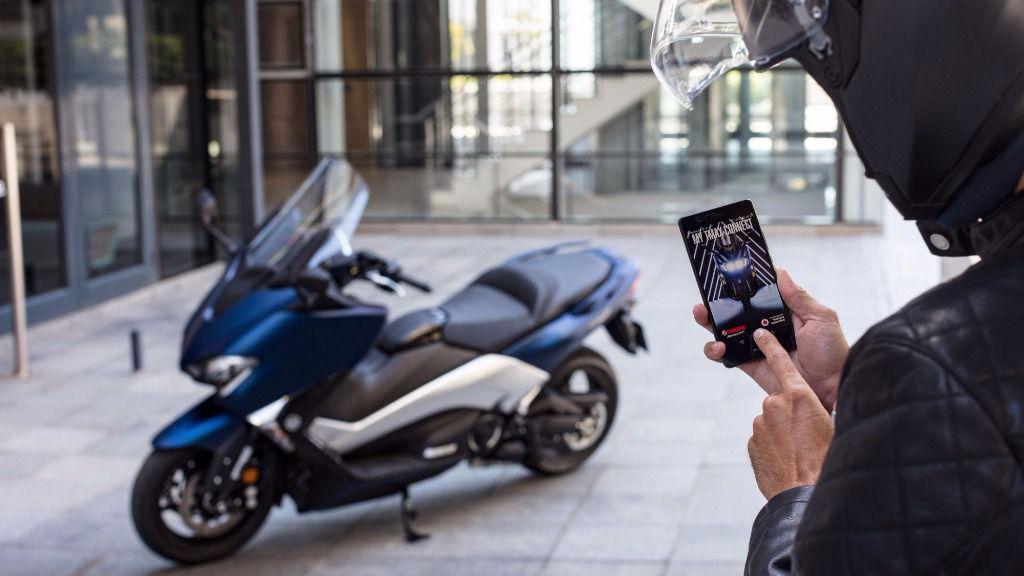Llega el primer scooter conectado de la mano de Vodafone y Yamaha