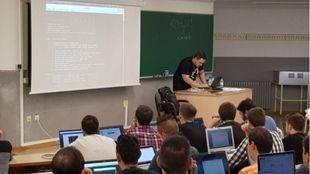 Vector ITC Group imparte un taller para prevenir los ataques por badUSB
