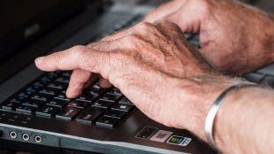 1 de cada 3 personas de entre 65 y 74 años utiliza Internet al menos una vez a la semana