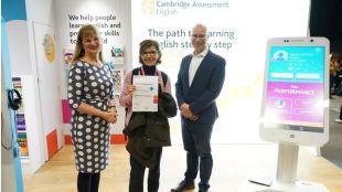 Una profesora gallega gana una prestigiosa beca de Cambridge gracias al uso de la inteligencia artificial en el aula