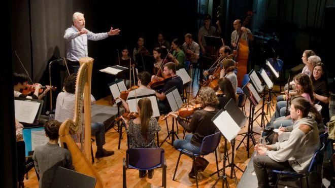La EHUorkestra Sinfonikoa ofrece el primer concierto de su historia