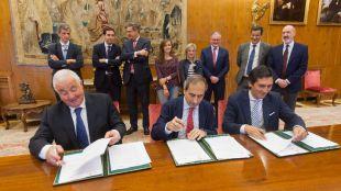 La UN y Caja Rural renuevan su convenio de colaboración