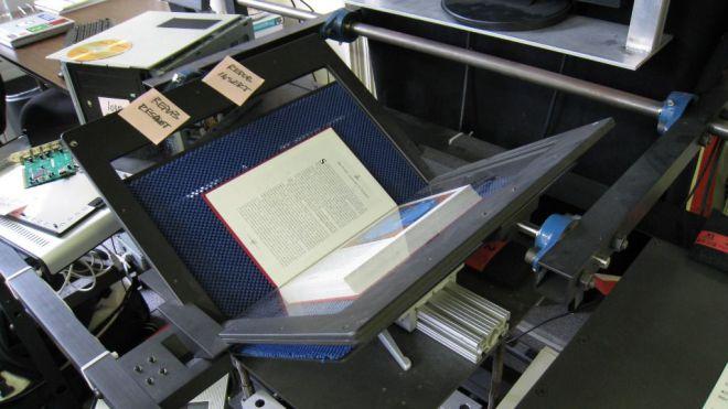 Cultura elige a la Universitat de València para la digitalización de 150.000 páginas de los siglos XV al XIX