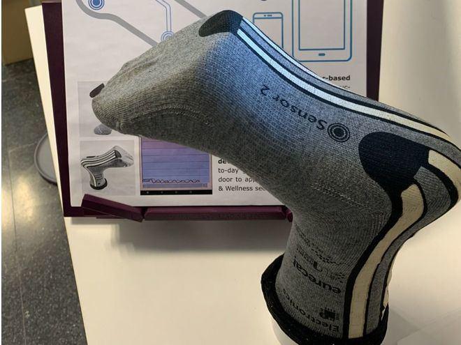 Presentan un calcetín inteligente que monitoriza el movimiento al caminar