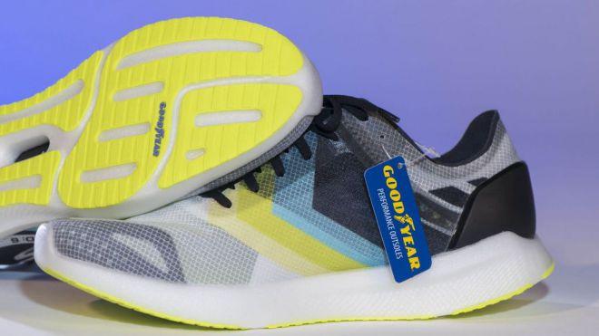 Nuevas zapatillas de Skechers con suelas Goodyear