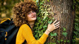 Los candidatos de Linguaskill de Cambridge, plantarán árboles contribuyendo al medio ambiente