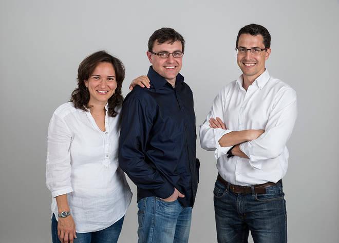 Los fundadores de Lyricstraining, Marcela Berrío, Ángel Fernández de Terán y Fernando Díaz Luque