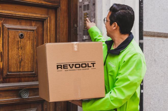 Revoolt llega a Barcelona con su reparto a domicilio de alimentación