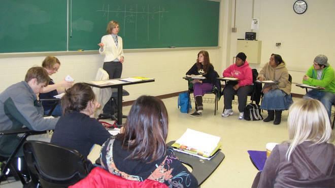 Los titulados universitarios continúan liderando la oferta de empleo cualificado en nuestro país