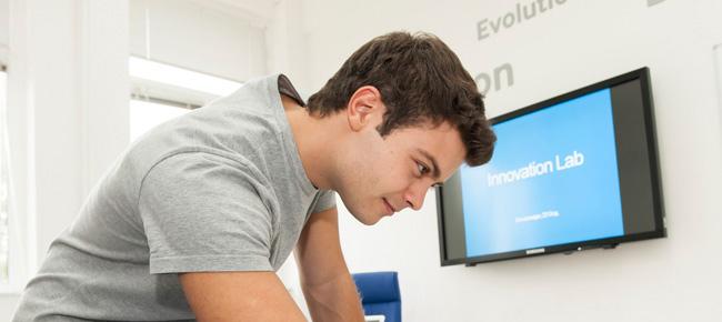 Samsung continúa apoyando la formación a jóvenes en las nuevas profesiones digitales