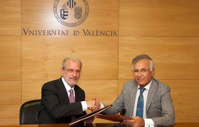 La Universitat de València y la empresa SISTEM crean una cátedra para la gestión sostenible de la movilidad urbana
